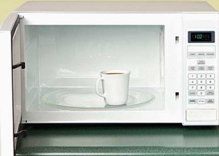 10 astuces pour nettoyer le micro onde