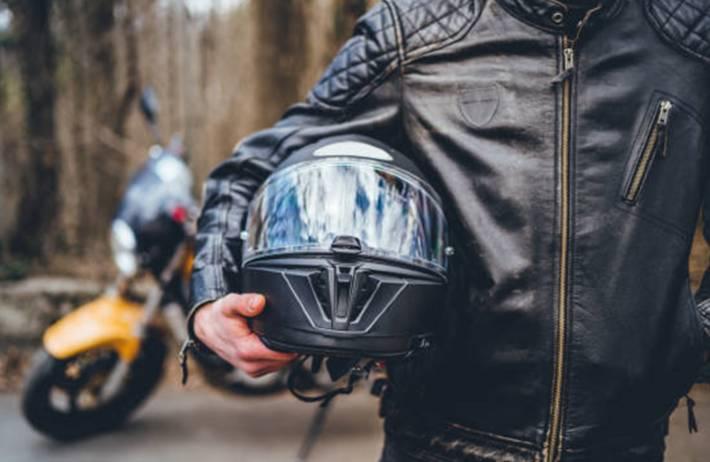 nettoyer et entretenir un casque moto