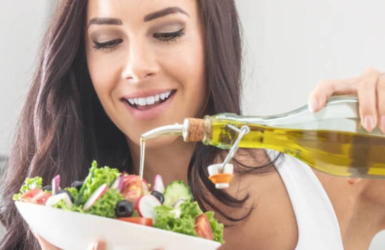 5 recettes faciles d'huile aromatisée