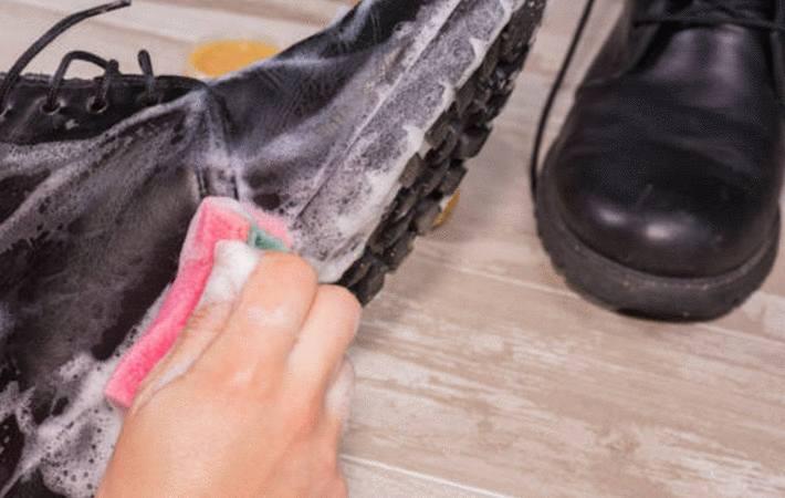 comment nettoyer et cirer des bottes