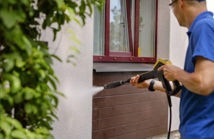 quel produit pour nettoyer la façade maison