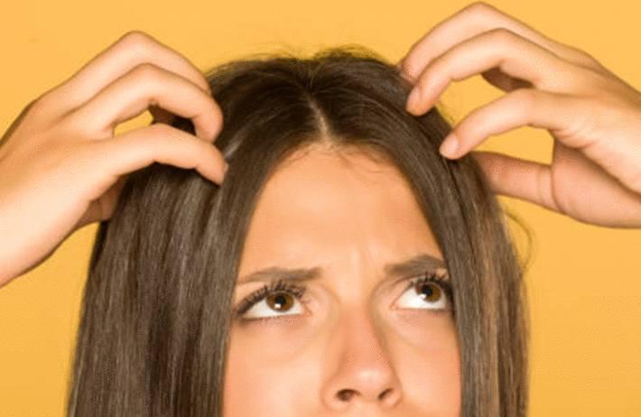 mauvaise odeur cheveux que faire