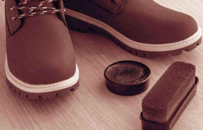 comment nettoyer et entretenir les chaussures en nubuck