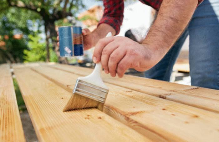 quel produit pour nettoyer et entretenir bois vernis