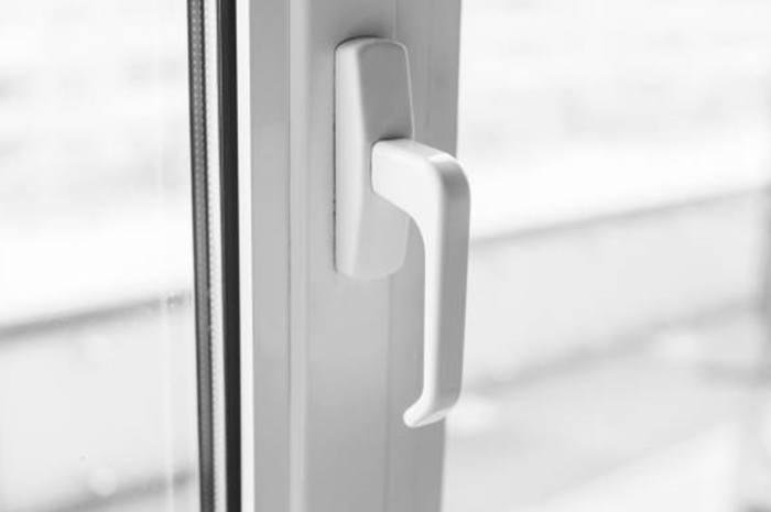 astuce pour nettoyer volet et fenêtre PVC