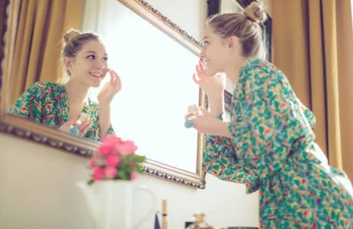 quel produit pour nettoyer un miroir