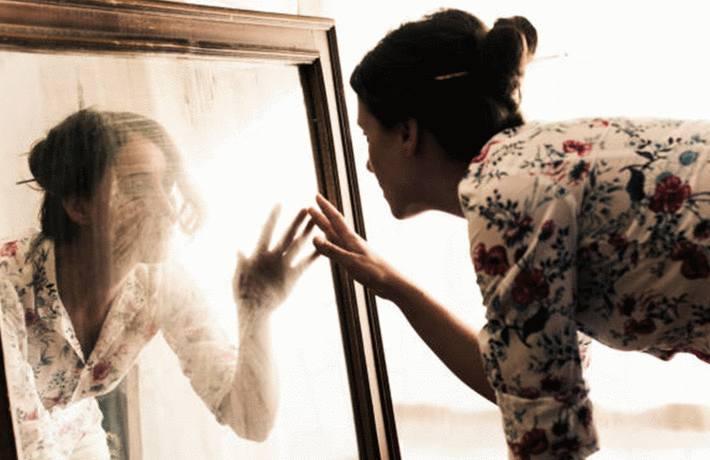 enlever tache sur miroir