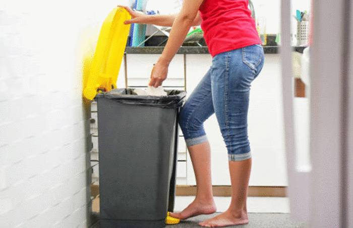 enlever mauvaise odeur poubelle