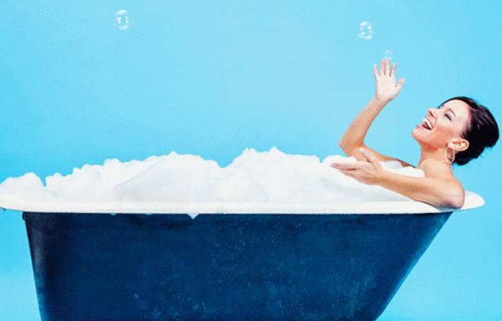 comment nettoyer et entretenir baignoire, douche, lavabo synthétiue