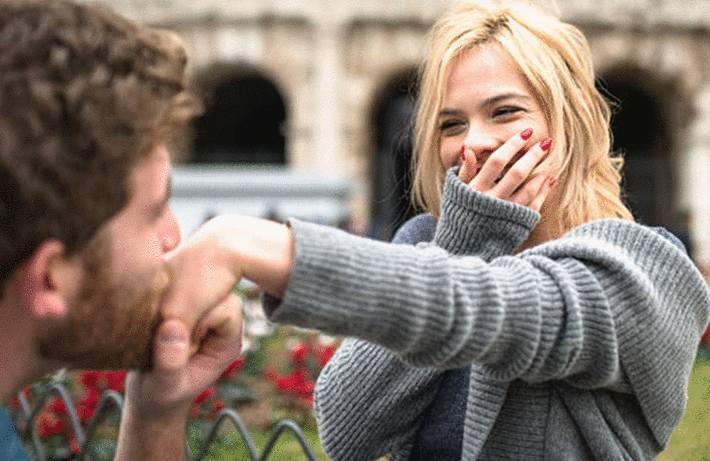 comment faire le baise-main