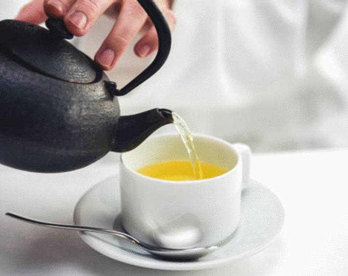 comment nettoyer les traces de thé