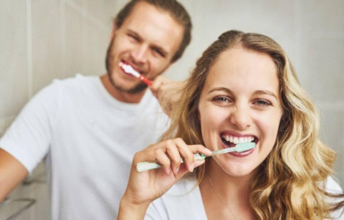 comment bien nettoyer sa brosse à dents