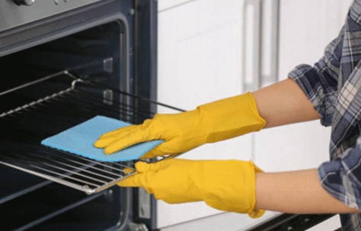 10 astuces pour nettoyer une grille de four