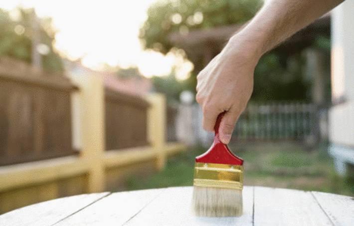 peindre le mobilier de jardin en plastique