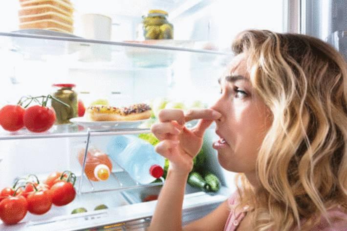 astuce pour enlever mauvaise odeur frigo