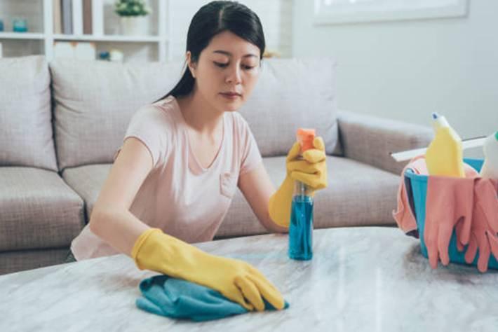 Quel produit pour nettoyer le marbre blanc