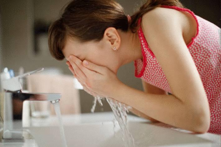 quel produit pour désinfecter un lavabo