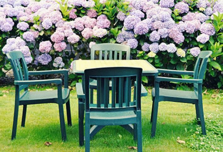 mobilier de jardin pvc peint en vert