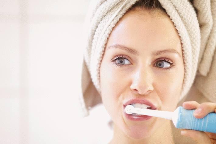 comment bien nettoyer brosse à dents electrique