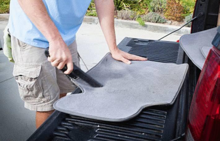 comment nettoyer un tapis de voiture