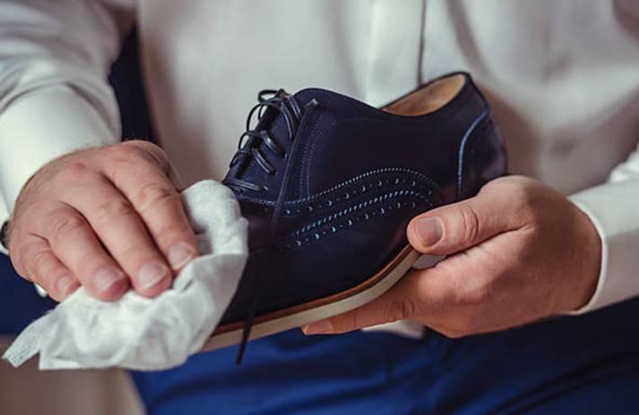 comment enlever les taches sur les chaussures