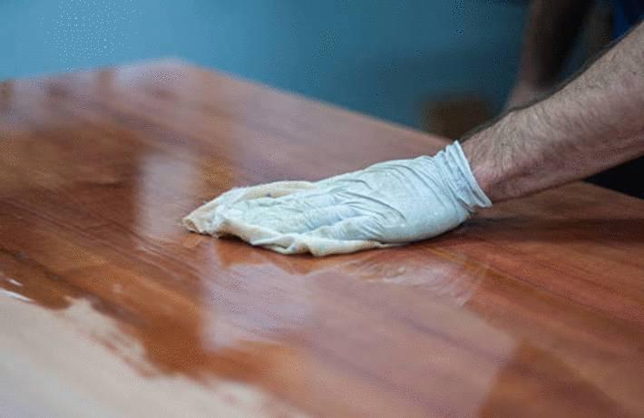comment appliquer de la cire sur le bois