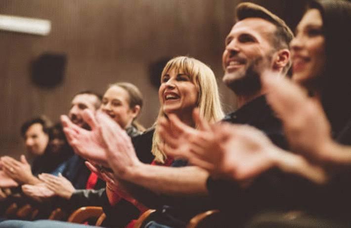 comment bien se comporter dans une salle de spectacle