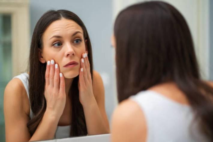 10 remèdes naturels pour dégonfler les yeux