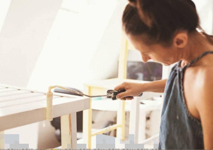 comment peindre un meuble ou une porte verni ou laqué