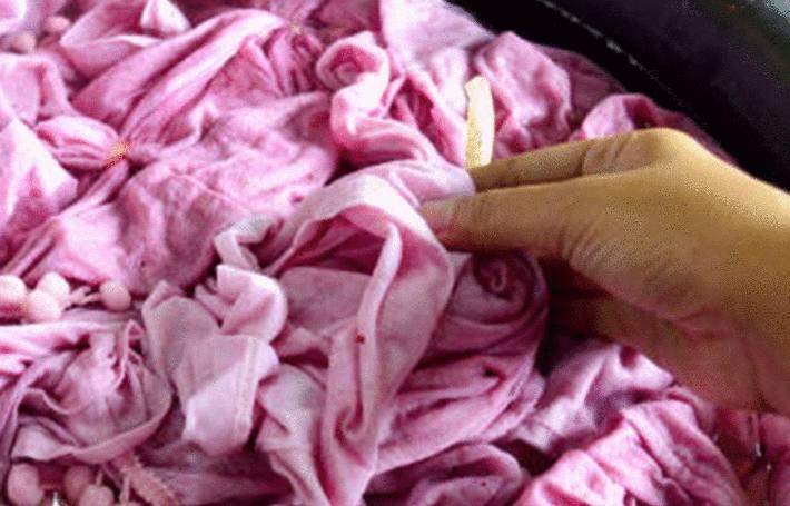 teindre un vetement en rose avec de la betterave