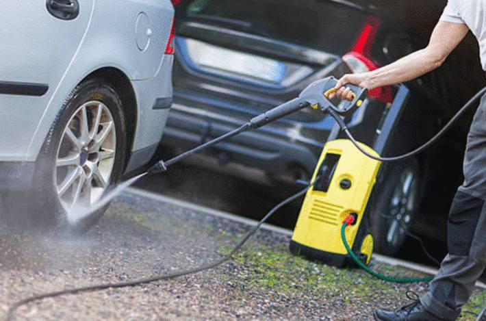 2 solutions pour nettoyer soubassement voiture
