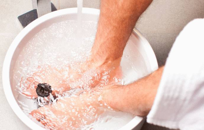 10 recettes de bain de pied