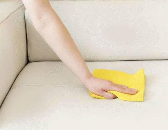 comment nettoyer et entretenir un canapé en cuir