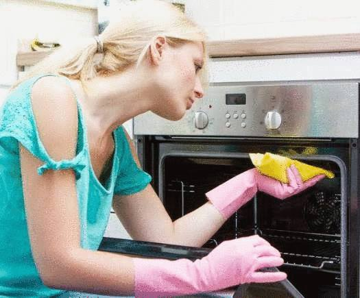 comment nettoyer le four