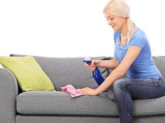 nettoyer son canapé tissu