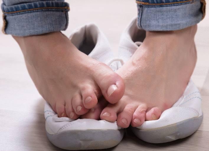 désinfectant-chaussure-comment-désinfecter-les-chaussures-anti-mycose-astuce-pour-désinfecter-chaussure