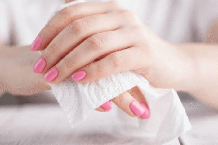 mains moites remèdes naturels contre transpiration des mains