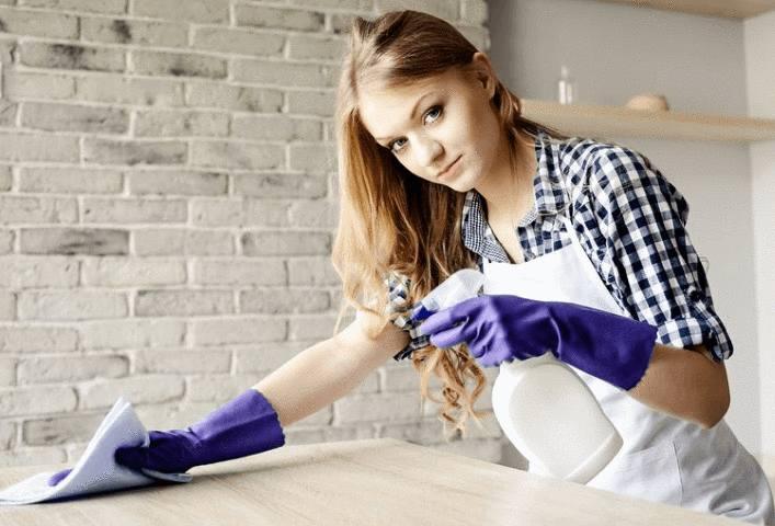 astuce pour nettoyer un meuble en bois ciré