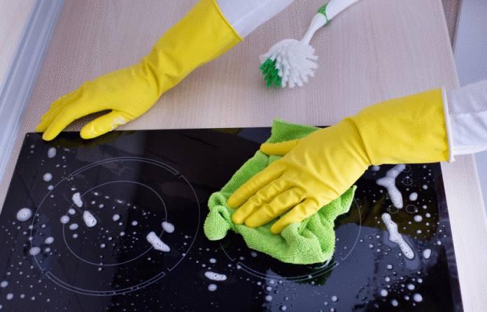 10 astuces pour nettoyer sa plaque vitrocéramique