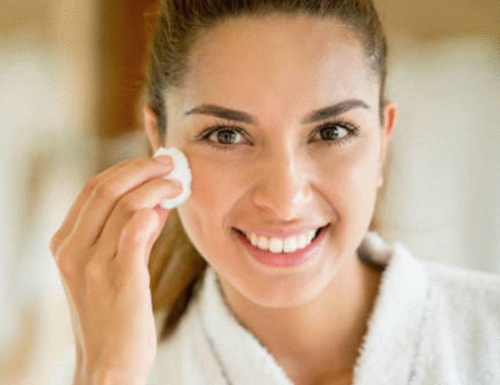 astuce pour soigner les boutons sur le visage
