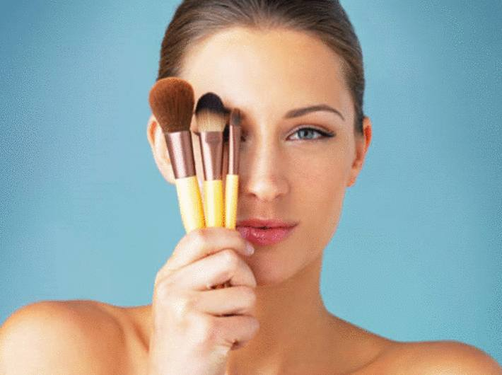 comment laver les pinceaux de maquillage