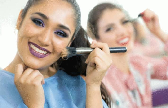comment nettoyer les pinceaux de maquillage