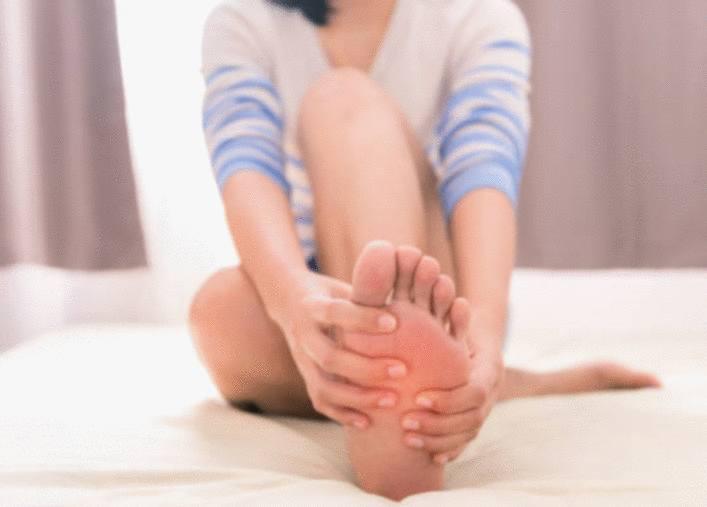 comment soigner pied sec et abimé