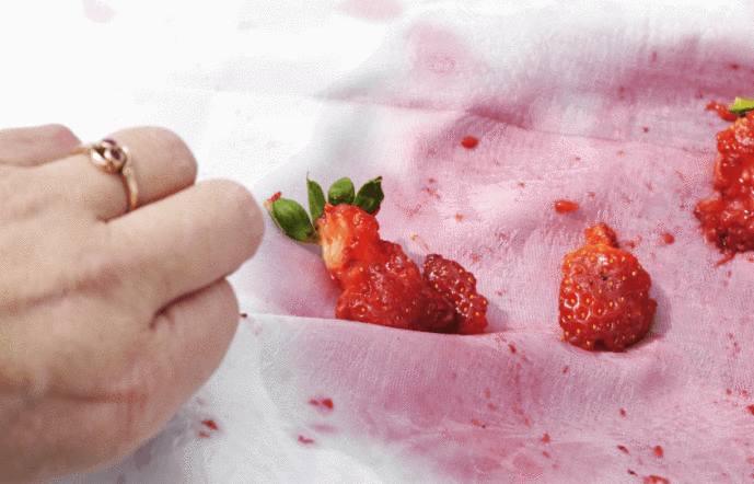 tache de fruits rouges