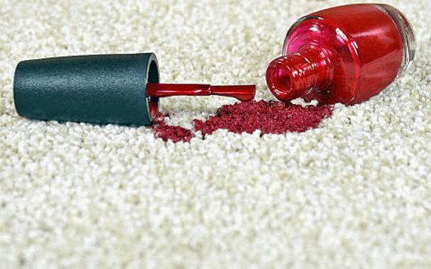 comment nettoyer une tache de vernis à ongle