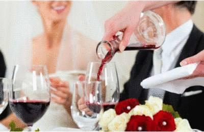 Comment servir le vin à table Tout pratique
